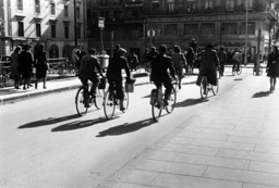 Schweiz/ Fahrverbot 1939 / Foto - Switzerland / Traffic ban 1939 / Photo - Suisse/Interdiction/Ration/1939/Photo