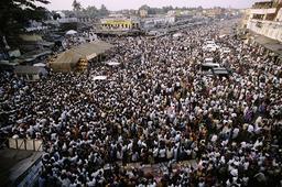 Hinduismus, Pilger in Puri / Foto 1994 - - Hindouisme, pèlerins à Puri