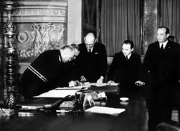 Signing of the 'Rome Protocols' by Austria, Hungary and Italy, 1934