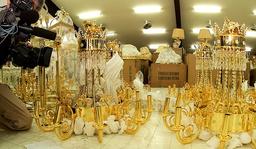 CAMERAMAN GOLD PLATED CHANDELIAR