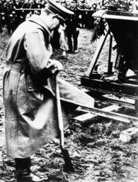 Hitler in Salzburg / Foto 7.4.1938 - Hitler in Salzburg /Photo 7.4.1938 -