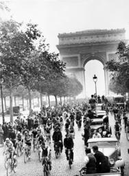 Start of the Tour de France in Paris, 1936