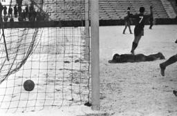 German Football Divison Southwest 1962/63 - Tura Ludwigshafen - 1. Fc kaiserslautern 1:4