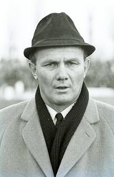 VfB Trainer Gunther Baumann Aus BL Eintracht Braunschweig gegen den VfB Stuttgart 2 1 am 20 01 1968