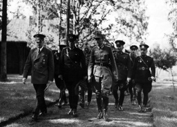 Turkish officers led by Toydemyr at Hitler