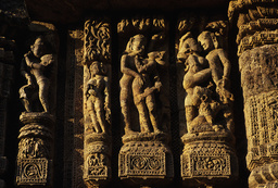 Konarak, Sonnentempel, Relieffries, Liebespaare - Konarak, Sun Temple, Relief Frieze, Lovers -