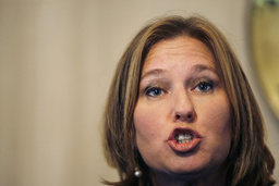 Israeli Foreign Minister Tzipi Livni speaks during a news conference with Egyptian counterpart Ahmed Aboul Gheit in Cairo