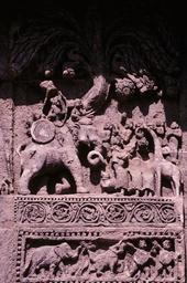 Konarak, Sonnentempel, Szene mit Kriegselefant / Relief - - Konarak, temple du Soleil, scène avec un éléphant de guerre