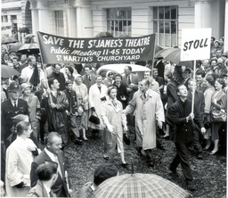 Sir Laurence Olivier (dead 7/1989) And Lady Olivier Vivien Leigh (dead 7/1967) Lead Protest Marches Against The Demolition Of St James's Theatre 1957. Divorced.