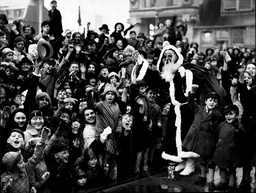 Children Greeting Father Christmas On The New Building Roof Of Selfridge's - 1937 - He Is Early But Christmas Shopping Has Already Begun.