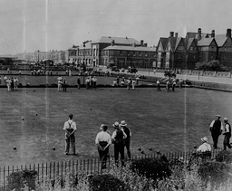 Views Of Great Yarmouth's Bowling Green And Sea Front.