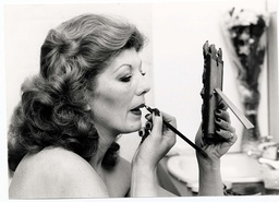 Actress Rula Lenska In Her Dressing Room At The Lyric Theatre Hammersmith Before Her Performance In 'blythe Spirit'.