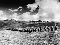 Chin.Truppen marschieren in Tibet/Foto - Chinese troops marching in Tibet/1950/51 - Troupe chinoises / Tibet octobre 1950