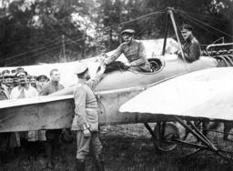 German pilots upon their return home, 1914