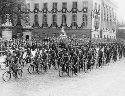 Parade of the Aremd Forces for Adolf Hitler's birthday, 1935