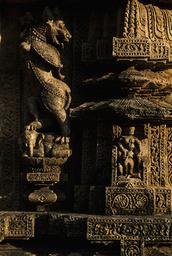 Konarak, Sonnentempel, Skulpturenschmuck / Relief - - Konarak, temple du Soleil, ornements sculptés / Relief
