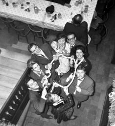 Carnival prince couples eat Bavarian veal sausage
