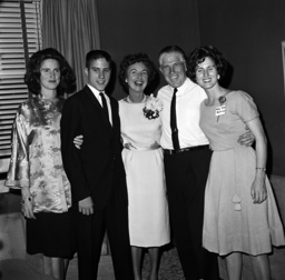 Watchf Associated Press Domestic News Michigan United States APHS55371 ROMNEY FAMILY-SAM WITH WIFE AND CHILDREN