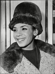 Singer Shirley Bassey Wearing A Fur Hat At London Airport - 1962