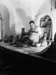 Töpfer in Beersheba / Foto 1938 - Potter In Beersheba / Photo 1938 -