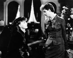 ANNA KARENINA, from left: Greta Garbo, Phoebe Foster, 1935