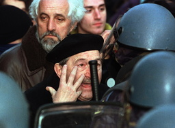 SERB OPPOSITION SUPPORTER ARGUES WITH POLICEMEN