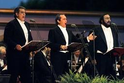 WORLD FAMOUS OPERATIC TRIO PLACIDO DOMINGO, JOSE CARRERA AND LUCIANO PAVAROTTI