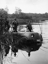 Presentation of an amphibious vehicle in Berlin, 1936