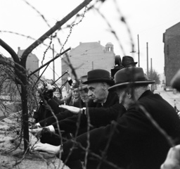 American politicians Keating, Clay, adn Scher at the Berlin Wall