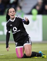 Peggy KUZNIK FFC kniet im Strafraum Fussball Frauen international UEFA Championsleague Saison 20