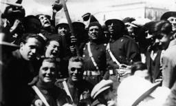 Guardias feiern Ausrufung d.Republik1931 - Guardias celebrate Republic/Spain/1931 -