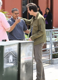 EXCLUSIVE - Jim Carrey chats with a star-struck waiter