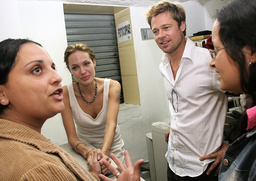 COSTA-RICA-COLOMBIA-REFUGEES-JOLIE-PITT