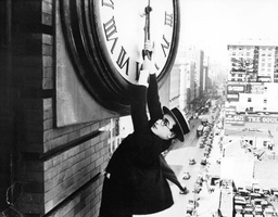 HAROLD LLOYD IN 'SAFTEY LAST' - 1923
