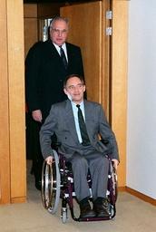 Schäuble resumes work in Bonn.