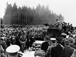 Hitler in Unterhaching 1934 - Hitler in Unterhaching / Photo / 1934 -