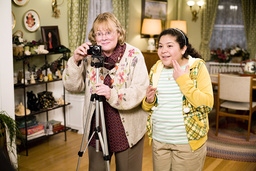 PAUL BLART: MALL COP, Shirley Knight, Raini Rodriguez, 2009. ©Sony Pictures/courtesy Everett Collect