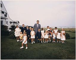 PRESIDENT KENNEDY WITH CHILDREN