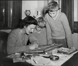 Anthropologist Mary Leakey (died 12/96) Wife Of Dr Louis Leakey Looking At Flints Used By Mesolithic Man With Sons John And Richard.