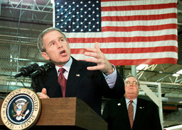 US PRESIDENT GEORGE W BUSH SPEAKS TO EMPLOYEES AT MARYLAND PRINTING COMPANY