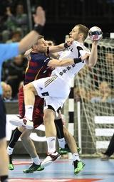 Foto Steffen Weinhold wirtft Kiel gegen Gudjon Sigurdsson Handball Herren am 24 04 2016 Champi