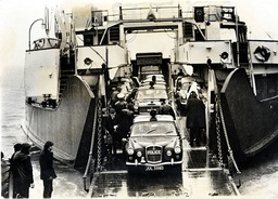 Police Cars And Escort Carrying Members Of The Great Train Robbery Gang Disembark From The Ferry ''freshwater'' At Yarmouth Isle Of Wight On Their Way To Parkhurst Prison..