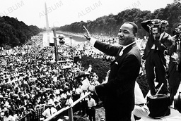 Martin Luther Kings address a crewd of 200.000 in a demonstration to protest racial inequality. In his I have a dream speech.