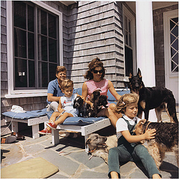 PRESIDENT KENNEDY WITH CHILDREN