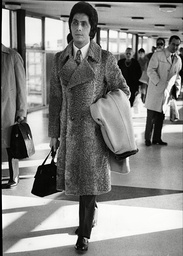 Fashion Designer Valentino At London Airport Valentino Clemente Ludovico Garavani (born May 11 1932) Best Known As Valentino Is An Italian Fashion Designer And Founder Of The Valentino Spa Brand And Company. His Main Lines Were Valentino Valentino Ga