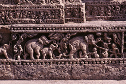 Konarak, Sonnentempel, Relieffries, Einfangen der Elefanten - Konarak, Sun Temple, Relief Frieze, Elephants - Konarak, temple du Soleil, frise / Capture des éléphants