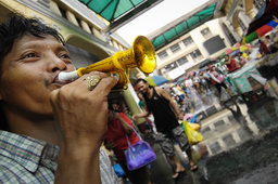 PHILIPPINES-NEW YEAR-TRADITIONS