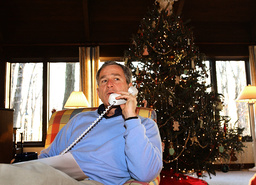 Bush Makes Christmas Eve Phone Calls to US Troops