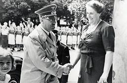 Hitler and Winifred Wagner in Bayreuth, 1939