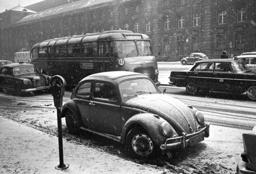 VW-Käfer in front of parking meter